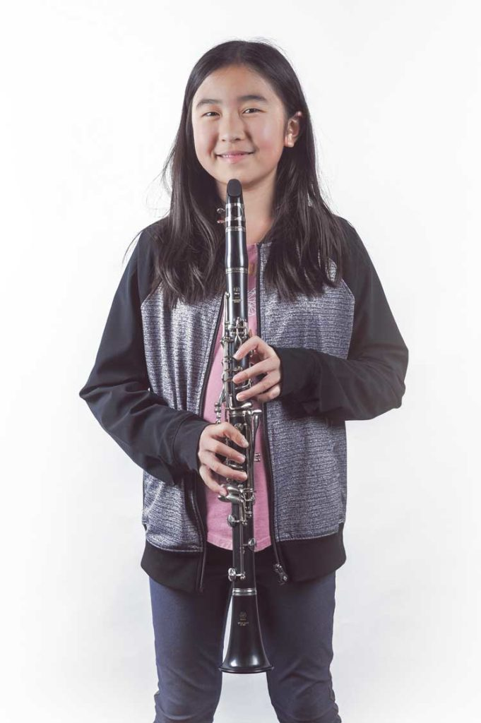 Can you teach yourself to play the clarinet on your own?
