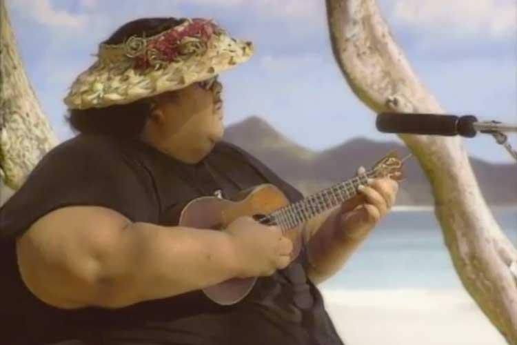 Israel Kamakawiwoʻole playing Somewhere Over the Rainbow